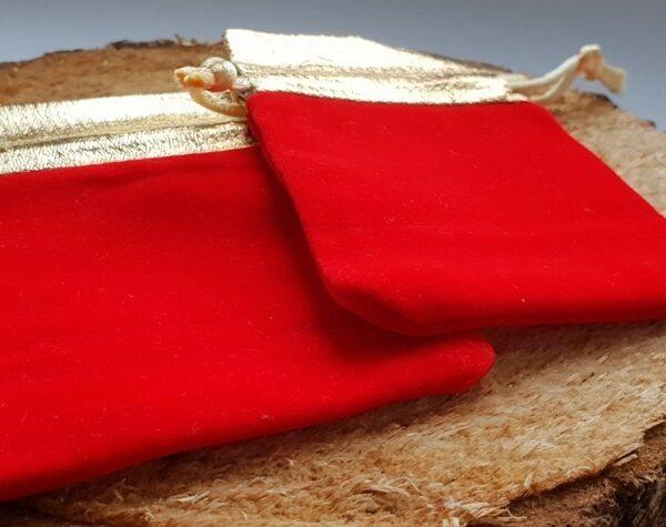Красные мешочки