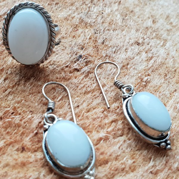Натуральный камень лунный камень кольцо и серьги -для привлечения любви и гармонии